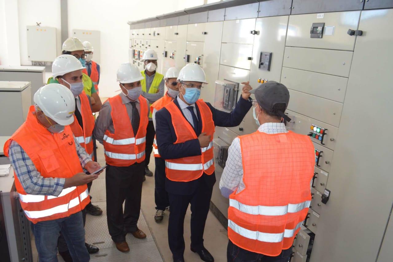 المدير العام للمكتب الوطني للكهرباء يطلع بالحسيمة على مشروع تحلية مياه البحر