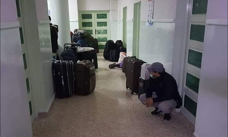 إحالة أسرة قادمة من مدينة برشيد بطريق غير قانونية على المستشفى الاقليمي بسيدي بنور لإجراء التحاليل المخبرية