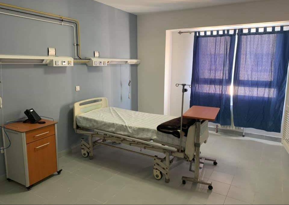 المقاول وافراد أسرته المصابين بكورونا بالجديدة يغادرون المستشفى لاستكمال العلاج في البيت