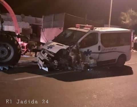 قتيل وجرحى في اصطدام ثلاثي بين سيارة إسعاف وسيارة خفيفة وجرار قرب جماعة اثنين اشتوكة