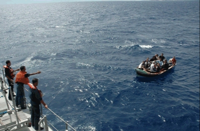 طرادة من الدرك البحري بالجرف الأصفر تعترض قاربا على متنه 11 ''حراك'' إلى 'إلدورادو' القارة العجوز