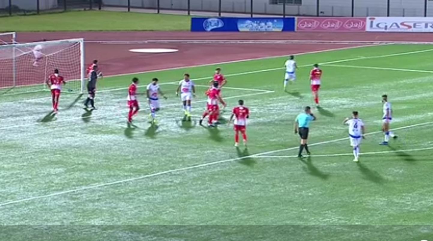 الوداد البيضاوي يخطف فوزا  في مباراة مثيرة للجدل أمام نهضة الزمامرة