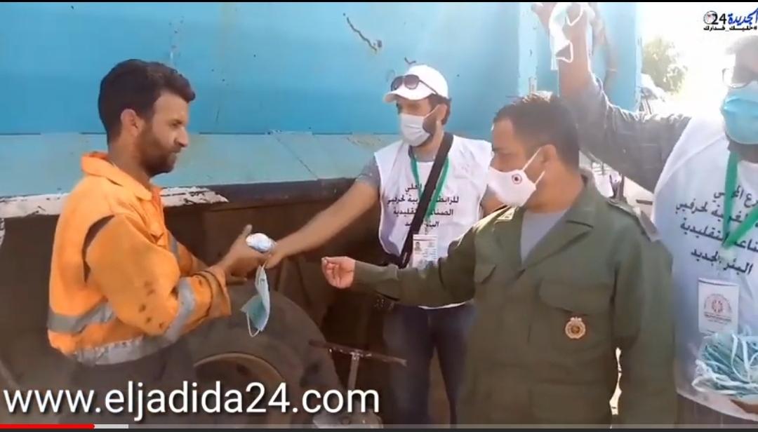 الرابطة المغربية لحرف الصناعة التقليدية تنظم حملة تحسيسية ضد مخاطر كوفيد بمدينة البئر الجديد