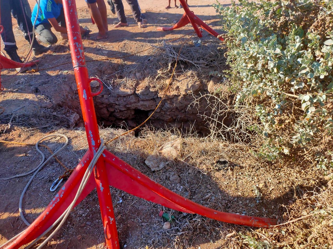 إنقاذ شخص بعد سقوطه في بئر لازيد من 48 ساعة بجماعة سيدي علي بنحمدوش + صور
