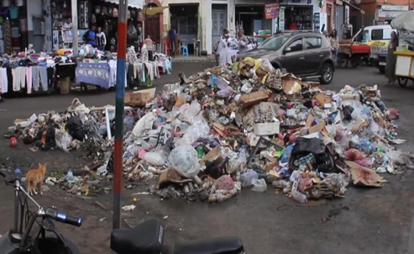 فيدرالية جمعيات الأحياء السكنية تدعو الى التنسيق من أجل الرد على تدهور خدمات النظافة بالجديدة