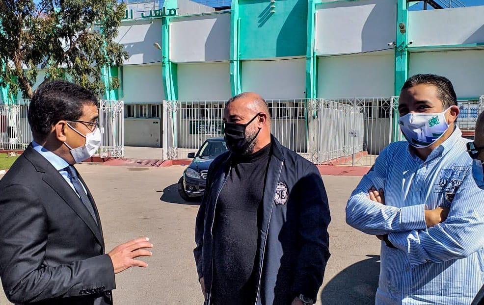 عامل اقليم الجديدة يقوم بزيارة لنادي الدفاع الحسني الجديدي لكرة القدم