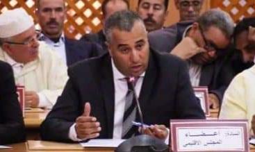المستشار يوسف بايزيد يتهم رئيس المجلس الإقليمي بإقصاء جماعات من برامج التنمية باقليم الجديدة والتستر على عضو فاقد للأهلية