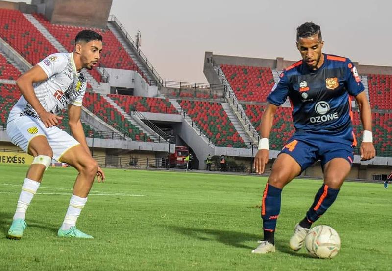 الدفاع الحسني الجديدي يحصد أول هزيمة له في البطولة خارج الميدان بثلاثية نظيفه