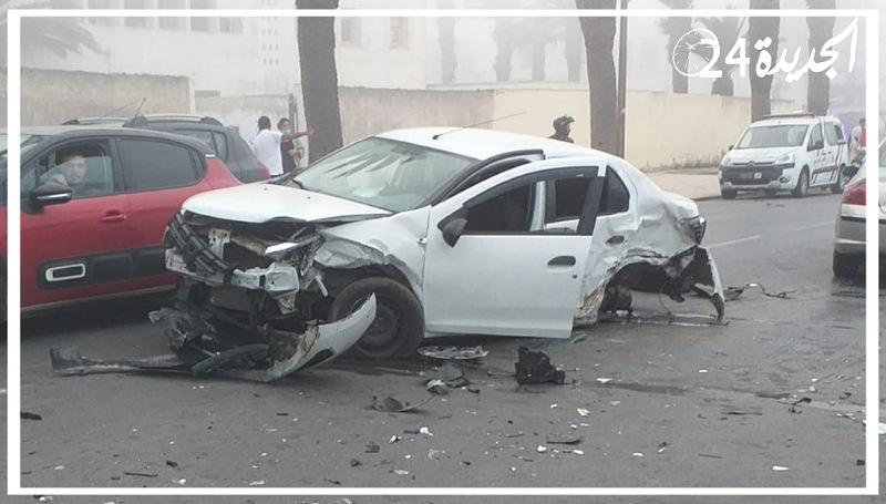 بالصور .. خسائر مادية كبيرة في اصطدام عدة سيارات بوسط الجديدة